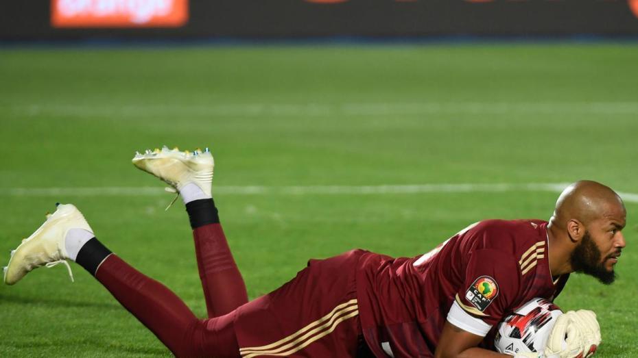 مبولحي يقترب من نهاية قصته الجميلة مع المنتخب الجزائري