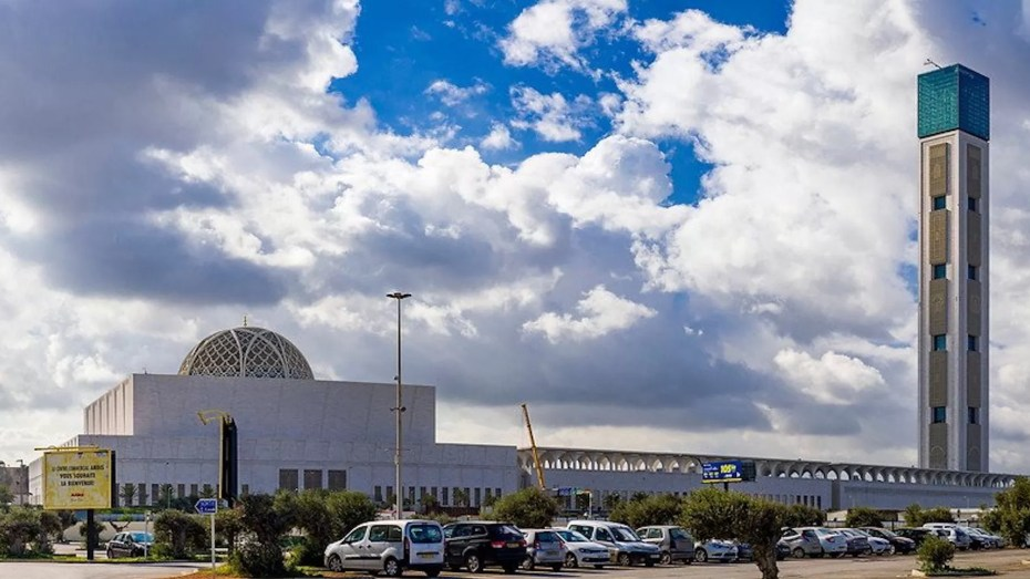 تبون يتفقد مسجد الجزائر الأعظم.. لمحة عن التحفة الفنية