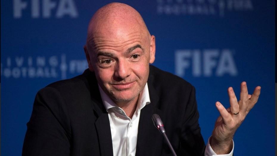 """زيارة رئيس """"الفيفا"""" جياني إنفانتينو إلى الجزائر مجرّد """"شائعة""""؟"""