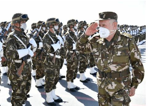 زيارة شنقريحة للناحية العسكرية السادسة
