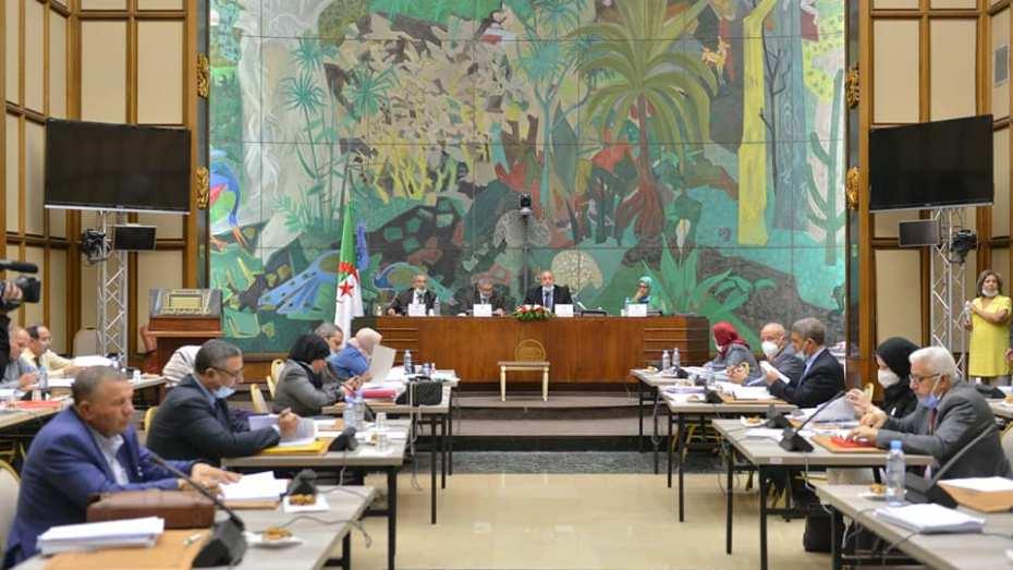 تأجيل دراسة مشروع قانون المالية لسنة 2021