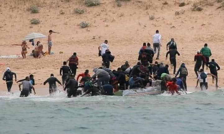 حراقة جزائريون يدخلون في إضراب عن الطعام بإسبانيا