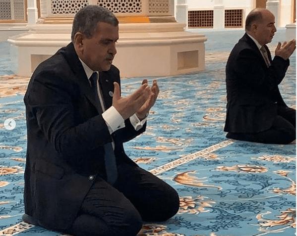 وزير الشؤون الدينية يخالف الوزير الأول!