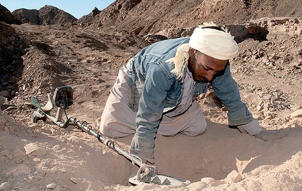 اجتماع 3 وزراء لتوفير تغطية شبكية في حقول الذهب بالجنوب الجزائري