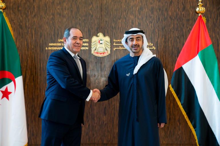 الإمارات تعترف بوقف إصدار التأشيرات بالنسبة للجزائريين