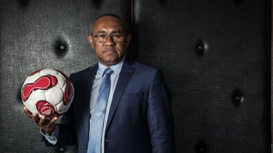 رئيس الاتحاد الإفريقي لكرة القدم الموقوف يُعلق على حادثة العنصرية