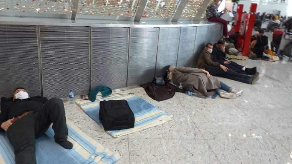 25 ألف جزائري في الخارج يريدون العودة إلى البلاد