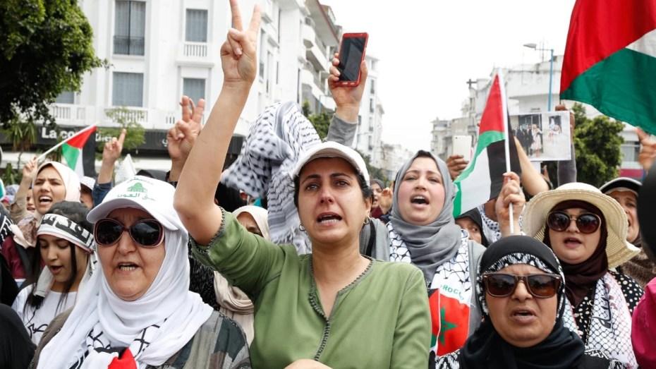 أكثر من 200 شخصية مغربية تدين التطبيع مع الاحتلال الإسرائيلي