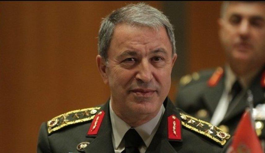وزير الدفاع التركي في ليبيا رفقة رئيس الأركان وقادة الجيش