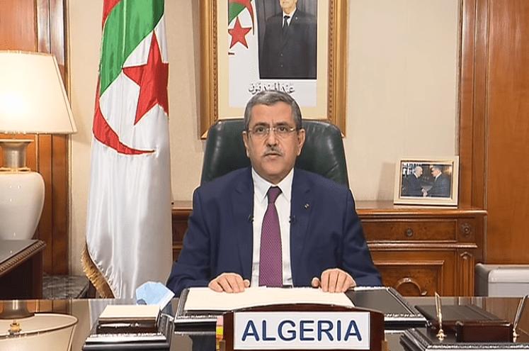 الوزير الأول يستقبل سفير الصين بالجزائر