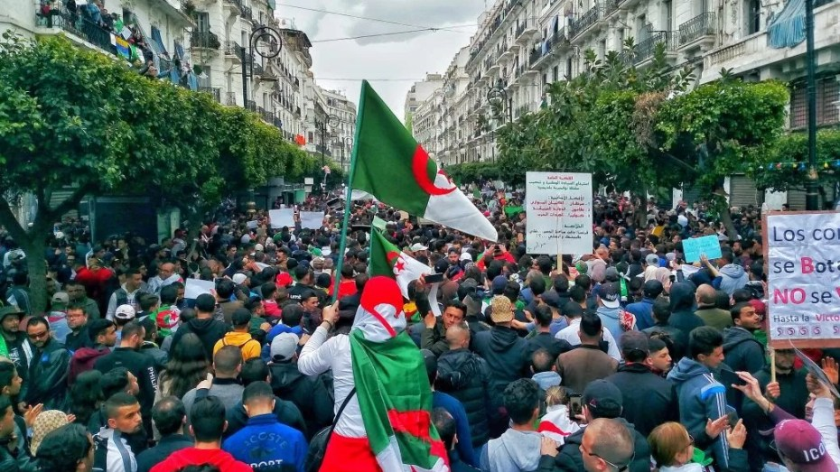 24 بالمائة فقط من الجزائريين يرون أن حياتهم أصبحت أحسن بعد الحراك