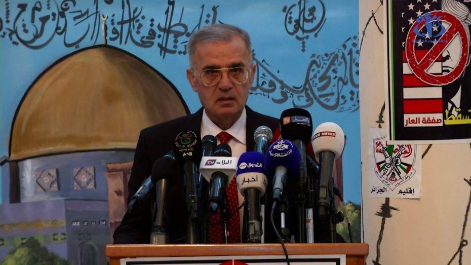 السفير الفلسطيني للمطبعين: خسئتم انتم وسيدكم