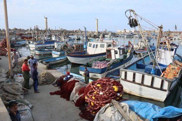 فقدان قارب صيد على متنه خمسة بحارة
