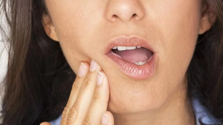 10 أسباب لألم الأسنان الحاد