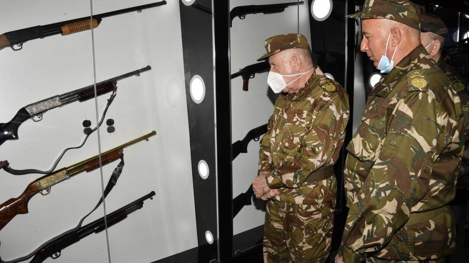 شنقريحة يتفقد وحدات الصناعات العسكرية بخنشلة وباتنة