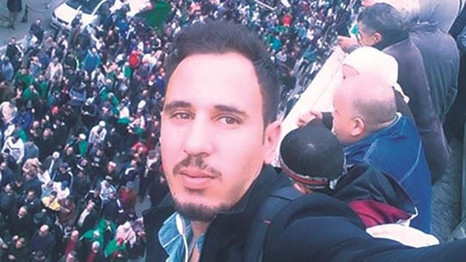"""وليد نقيش: شعار """"مخابرات إرهابية"""" لا يمثلني وحركات متطرفة تستخدمه لتصفية حساباتها مع الجيش"""