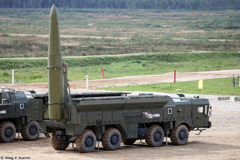 صحيفة تكشف عن هوية كبار مستوردي الأسلحة الروسية والجزائر من ضمنهم