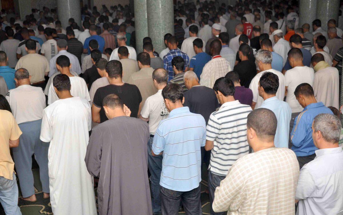وزارة الصحة توضح بشأن إلغاء صلاة التراويح