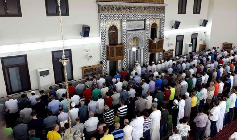 تفاصيل جديدة من وزارة الشؤون الدينية حول صلاة التراويح