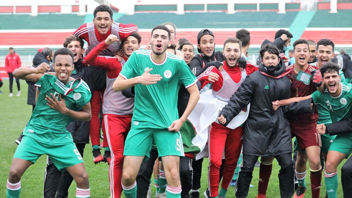 بهده الطريقة حفزّ خير الدين زطشي عناصر المنتخب الجزائري المُتوجهة إلى المغرب