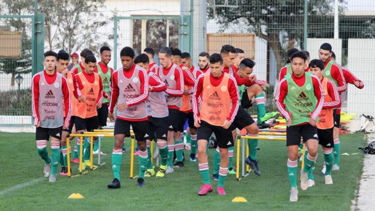 """المنتخب الجزائري يُواصل مشاكل كثيرة قبل توجّهه إلى المغرب لخوض منافسة الـ""""كان"""""""