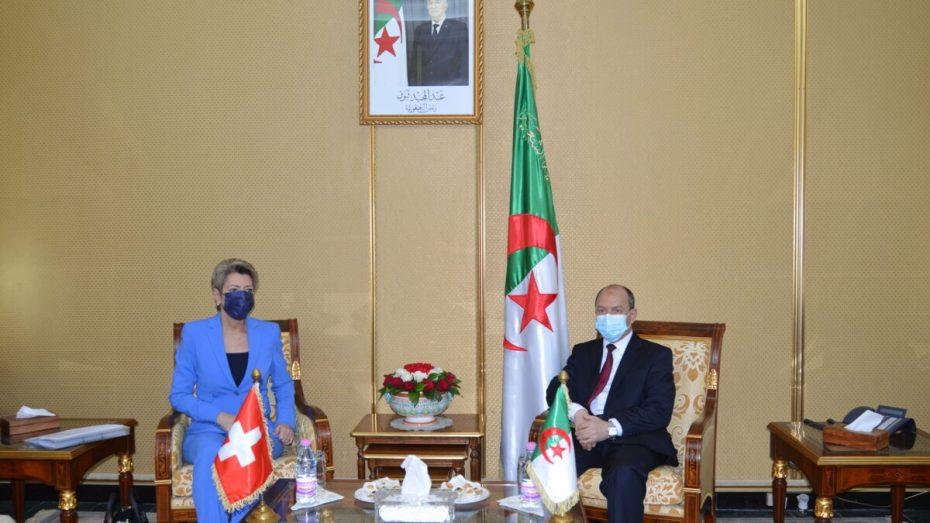 الجزائر تبحث مع سويسرا التعاون في المجال القضائي