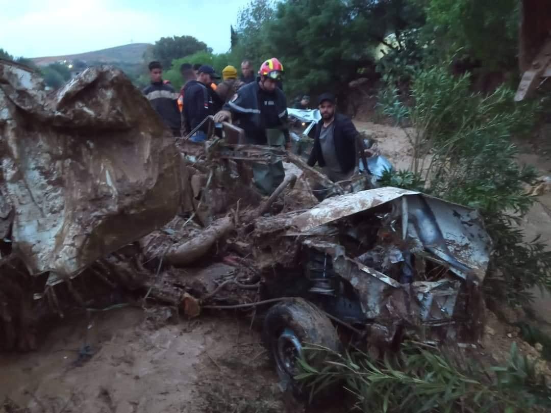 فيضان الشلف: العثور على جثة أحد المفقودين وتواصل البحث عن 4 آخرين