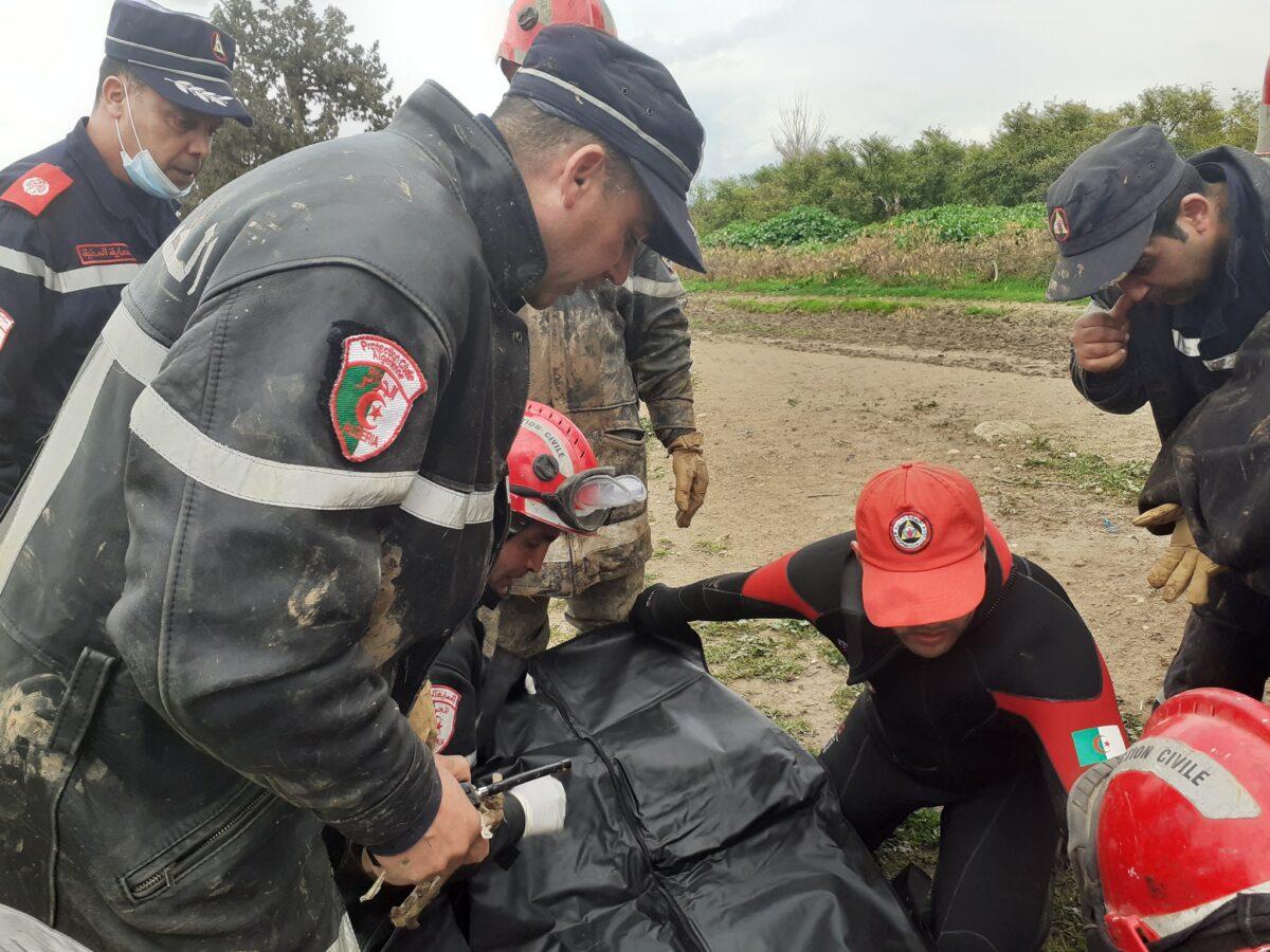 انتشال جثة الضحية التاسعة لفيضانات الشلف