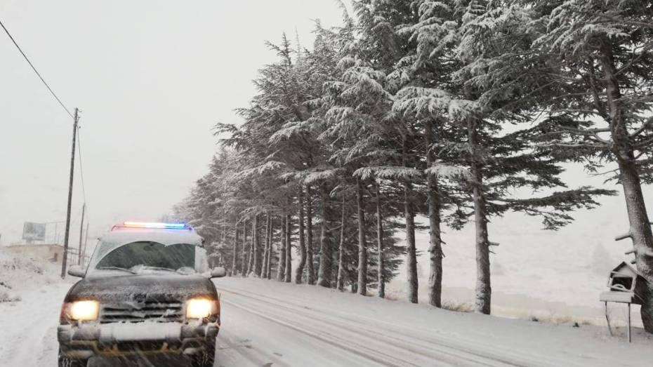 إثر تساقط الثلوج.. تعرّف على الطرق المقطوعة في عدد من الولايات