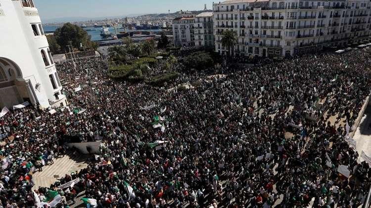 الجزائريون يجددون الموعد مع مسيرات الحراك في الأسبوع الثاني