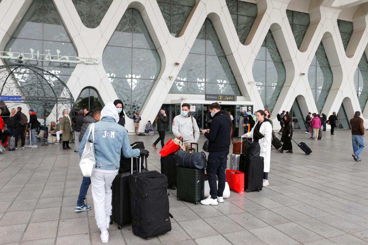 المغرب يقرّر تعليق الرحلات الجوية مع الجزائر