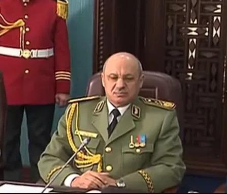 """محاكمة واسيني بوعزة بتهم تتعلّق بالتلاعب في الرئاسيات واستخدام """"الذباب"""" الالكتروني"""