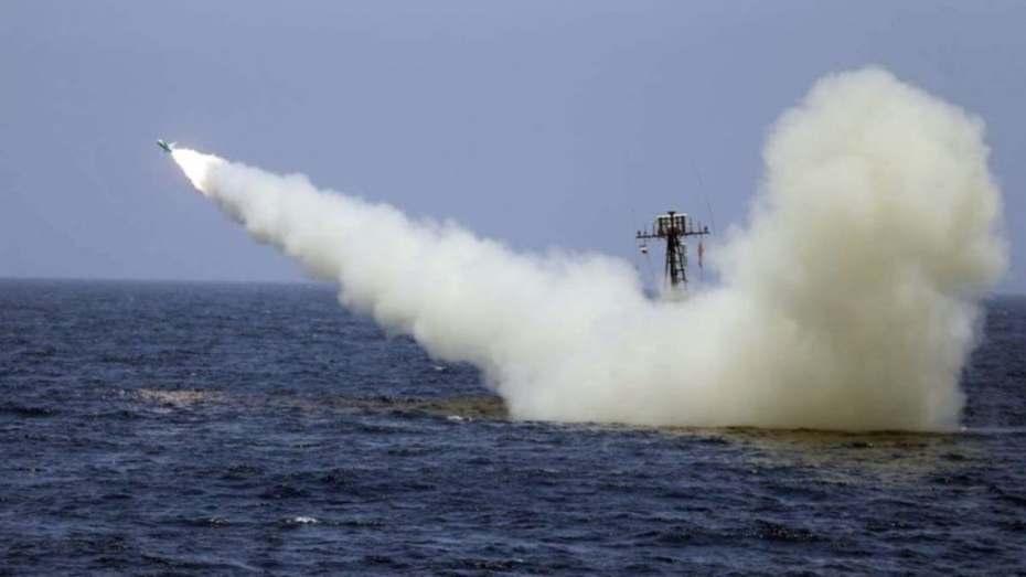هجوم على سفينة صهيونية بصاروخ في بحر العرب