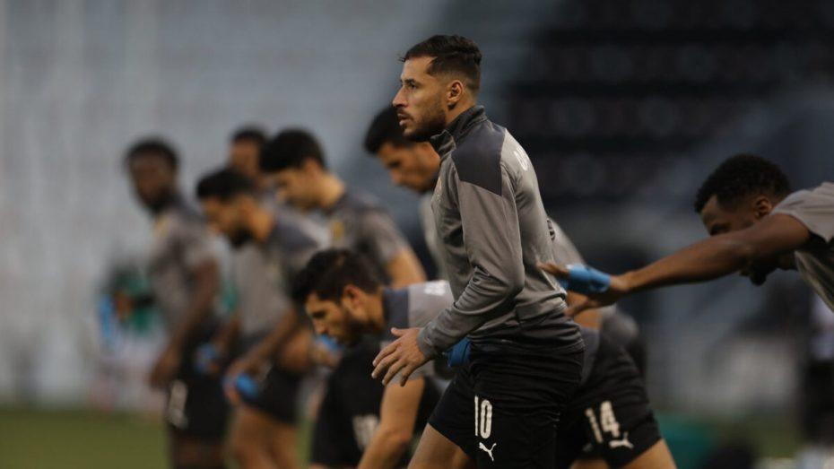 يوسف بلايلي يصنع الجدل في قطر بسبب ما بدر منه في إحدى المباريات