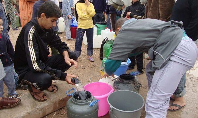 وزارة الموارد المائية.. حلول ظرفية بدل الاستثمار ف مشاريع تحلية المياه