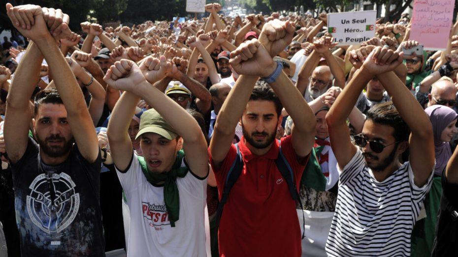 دفاع معتقلي الحراك يحذر من الاستهتار بإضرابهم عن الطعام