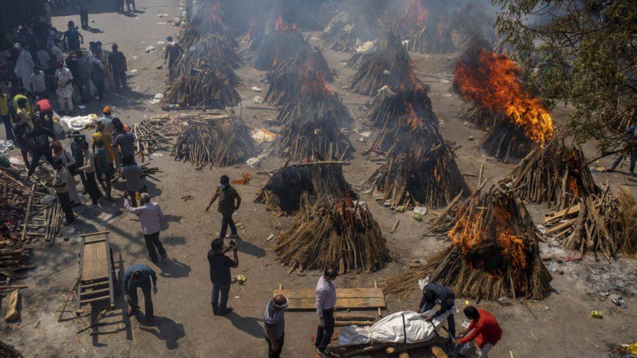 محارق الجثث في الهند تعاني مع اشتداد جائحة كورونا