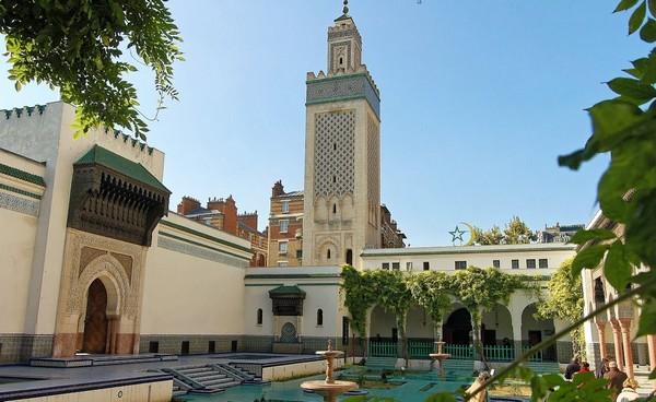 مسجد باريس الكبير يعلن أول أيام رمضان في فرنسا