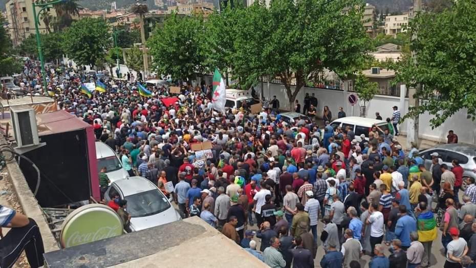 تواصل مسيرات الحراك الشعبي في الجزائر للجمعة 119