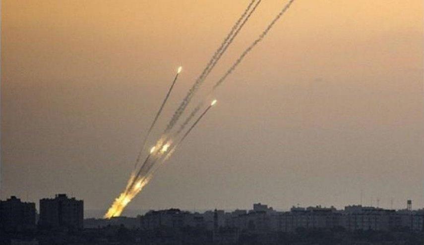 """كتائب القسام توجه ضربة صاروخية """"هي الأكبر"""" لتل أبيب"""