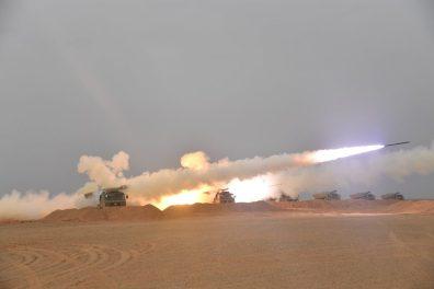 """بالصور.. الجيش الجزائري يجري مناورة عسكرية بعنوان """"الحسم 2021"""""""