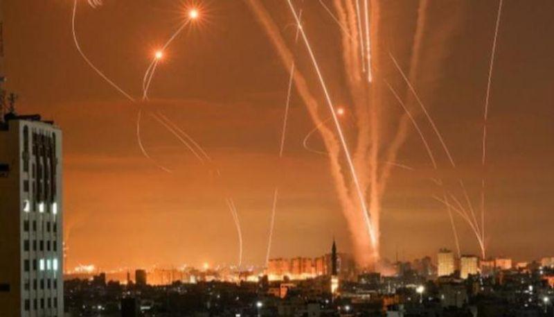 كتائب القسام تعلن قصف مواقع الاحتلال برشقات صاروخية