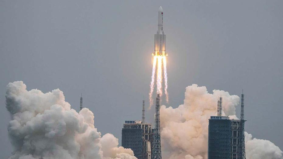 الصاروخ الصيني يمر غدا الخميس فوق دولة عربية.. وهذا موعد سقوطه