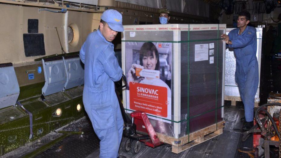 الجزائر تستلم مليون جرعة من اللقاح الصيني
