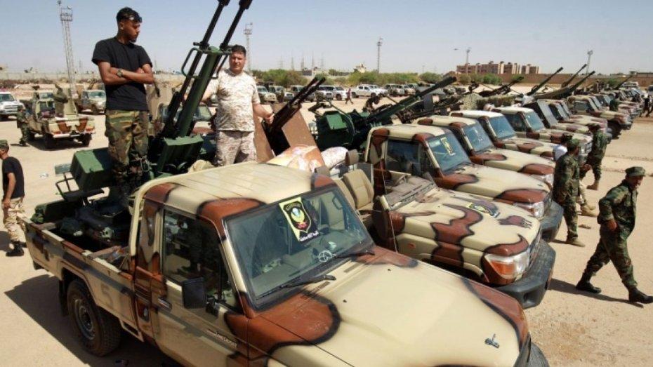 قوات حفتر تغلق الحدود مع الجزائر