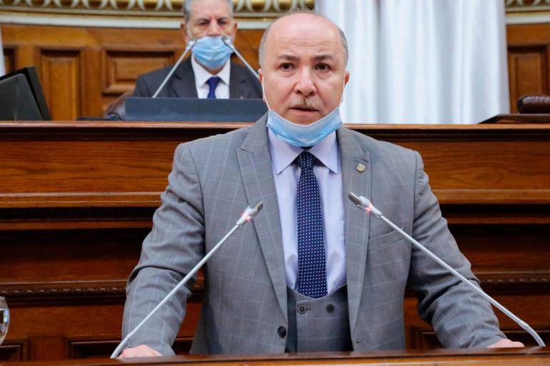 """جزائريون يتفاعلون.. """"حكومة جديدة بعقلية قديمة"""""""