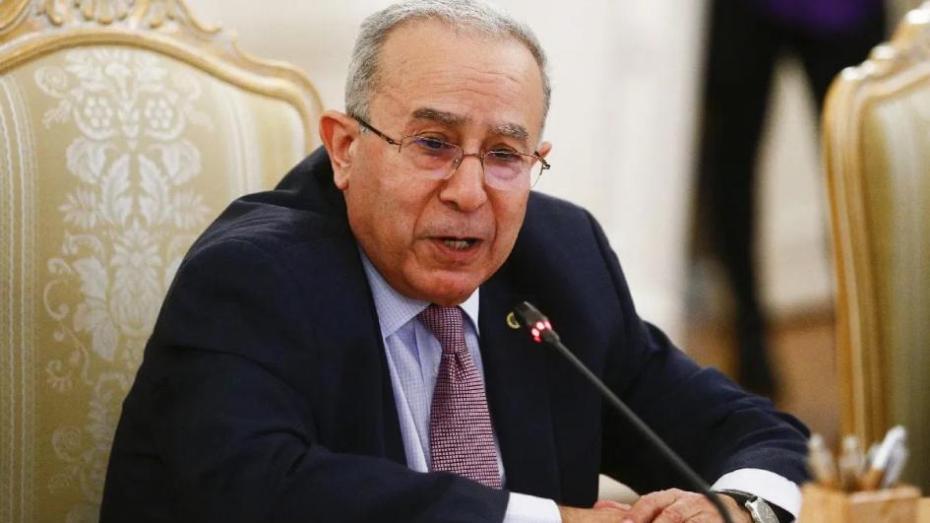 لعمامرة في القاهرة للمشاركة في أشغال مجلس الجامعة العربية