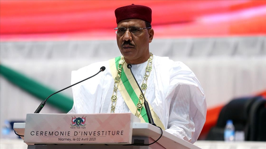 رئيس النيجر يشرع في زيارة عمل إلى الجزائر