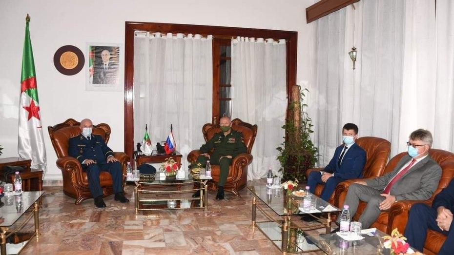 الفريق ألكسندر فومين نائب وزير الدفاع الروسي في زيارة للجزائر