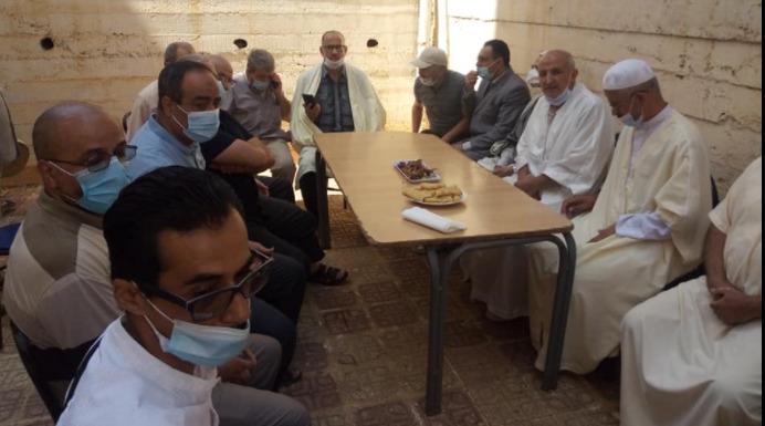 مجموعة من رجال الفكر والعلم لولاية تيزي وزو يزورون عائلة الفقيد جمال بن سماعين